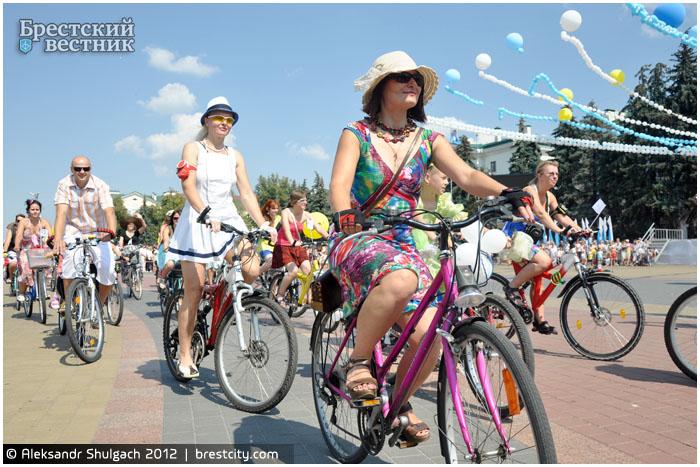 Велопарад на шпильках в Бресте 27 июля 2013