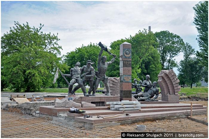 Монумент у Тереспольских ворот