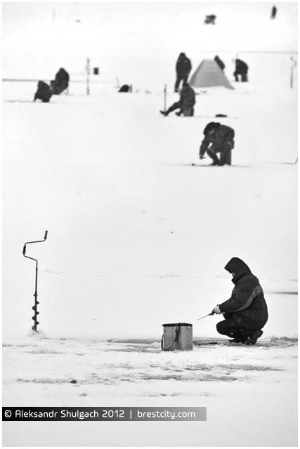 Зимняя рыбалка в Бресте