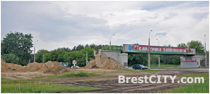 Скоро одним мостом в Бресте станет меньше.  Идет демонтаж бывшей военной железной дороги.