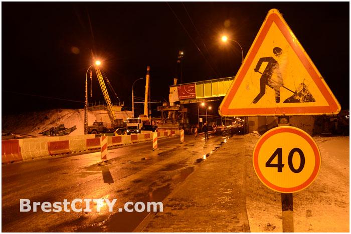 Демонтаж моста на улице Московской в Бресте ночью