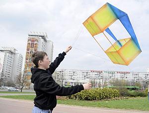 Запуск воздушных змеев в Бресте 4 мая 2013