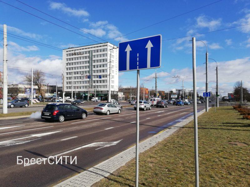 После смертельного ДТП запретили поворот со второй полосы с Московской на 28-го Июля