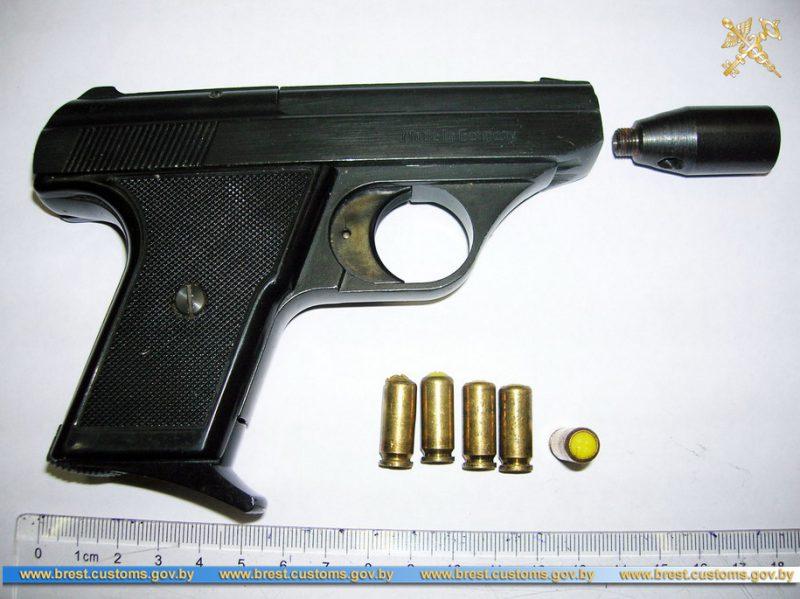 Газовый пистолет с патронами обнаружен в поезде «Заболотье – Брест»