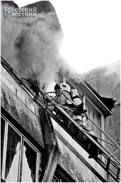Пожар в Бресте в доме на Партизанском проспекте