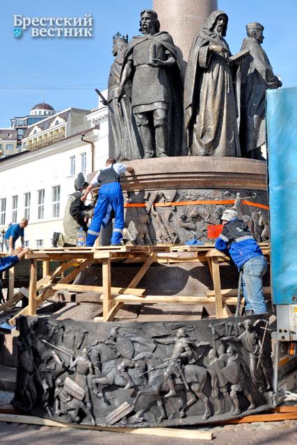 Памятники в бресте цены в кредит памятники из гранита цены спб новосибирск