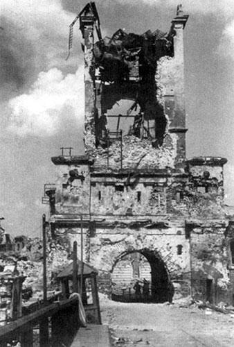 Начало войны. Тереспольские ворота Брестской крепости